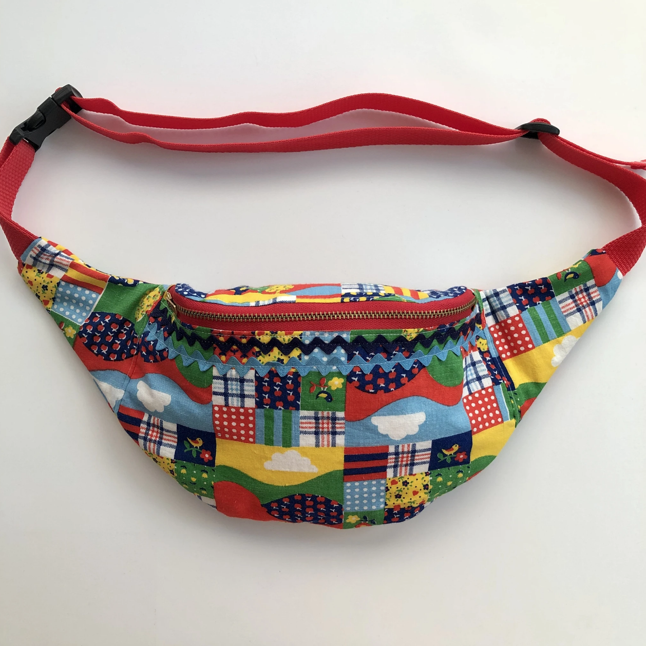 american happy fanny pack